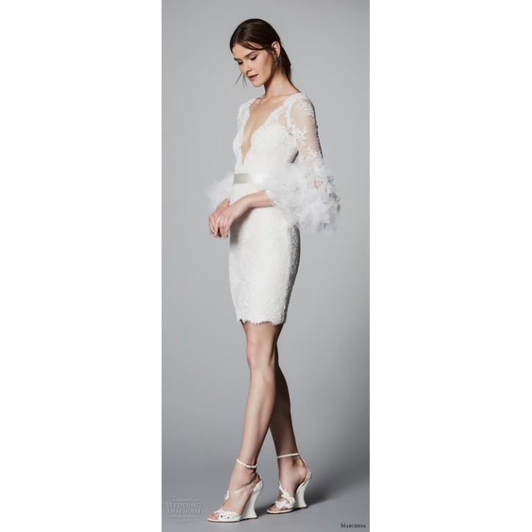 marchesa-spring-summer-2018-sheath-vogue-lace-mini-v-neck-ivory-hand-made-flowers-wedding-dress